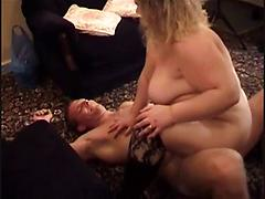 Big Boobs Matured Housewife Giving Blow Job