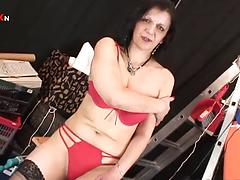 Matre chick Lisa Jane gets her trimmed pussy filled with big dick