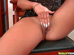 Tanned brunette Pietra rubs pussy and gets screwed on a counter