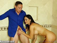 Hot MILF Jasmine Jae Gives The Masseur A Handjob